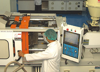 Moulding Area – Clean Room Class 100,000 or ISO Class 7